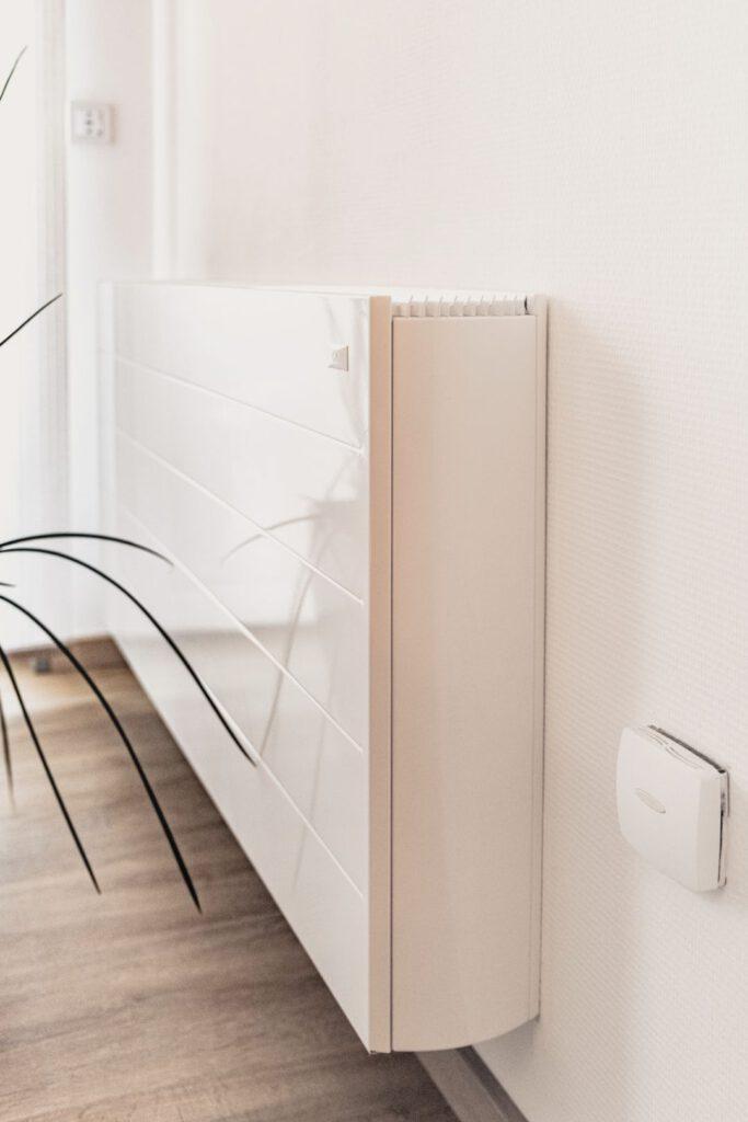 Leistungsstarkes Design-Heiz-Kühlgerät für unsere Modulhäuser / Haustechnik